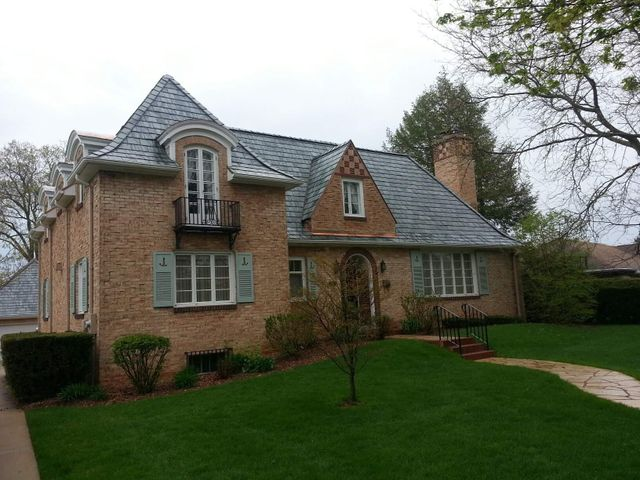 Roofing contract services in Platteville