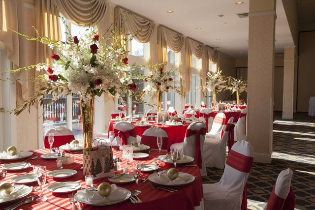 Book A Beautiful Wedding At Atkinson Resort Country Club In One Of Our Ious Banquet