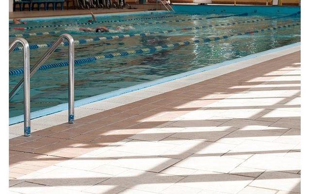 ee63fcdb4b6f Lo Sporting Club Genova dispone di una bella piscina esposta al sole tutto  il giorno