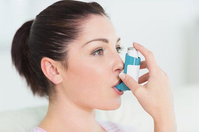Girl with asthma ventilator