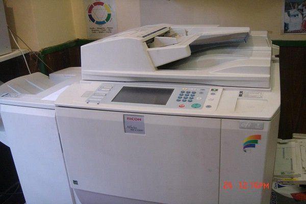 una stampante Ricoh in una  copisteria