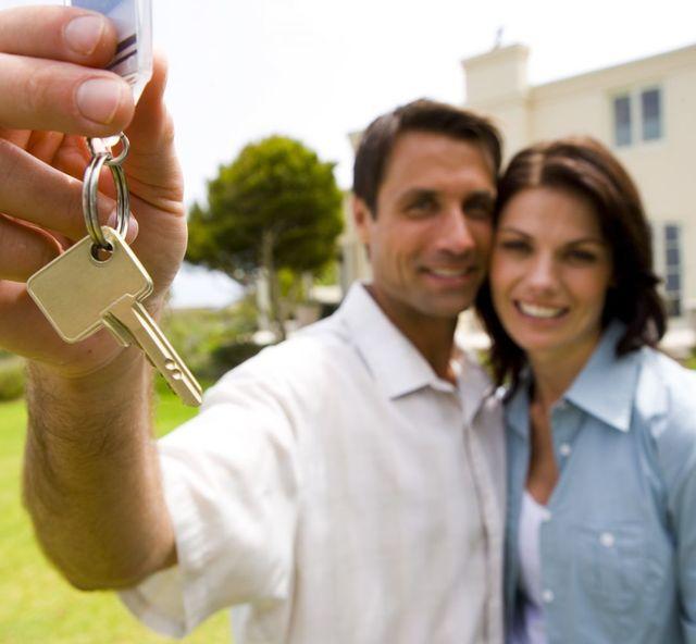 Rodney district couple receive new keys from locksmiths