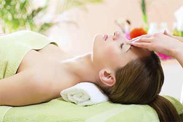 massaggio sul viso