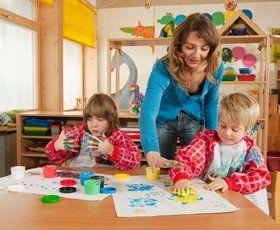 Nursery school - Ilford, Redbridge - Playdays Nursery - Painting