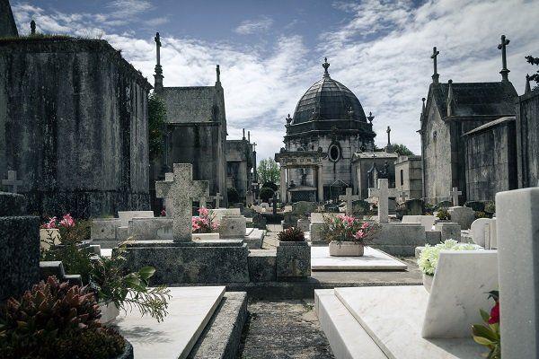 cimitero - ONORANZE FUNEBRI VALENTINI RENATO Poggiofiorito (CH)