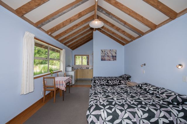 Cabin accommodation in Morore