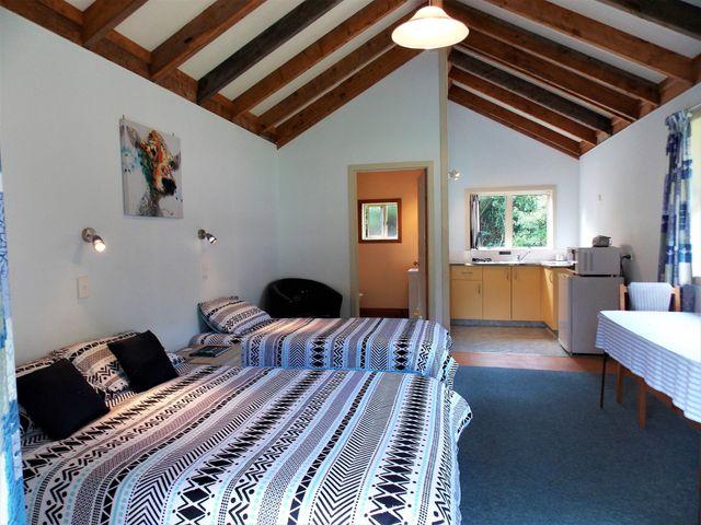 Morere Hot Springs lodge - Cabin