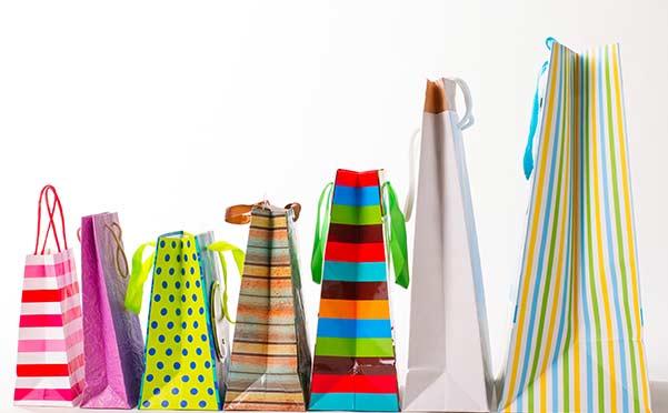 sacchetti di diversi colori