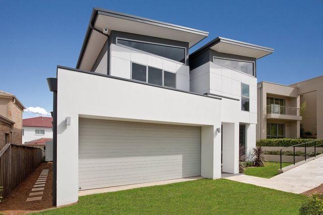 front of home with garage door