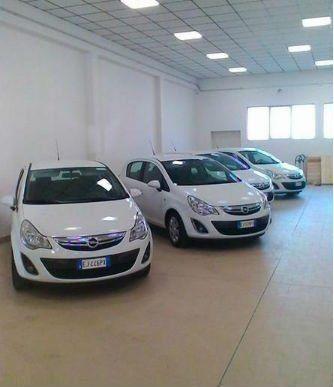 delle macchine bianche Opel