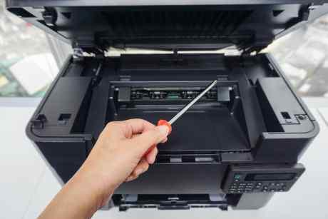 Siamo specializzati in assistenza software o hardware, sia per quanto riguarda personal computer che periferiche esterne quali fotocopiatrici e stampanti