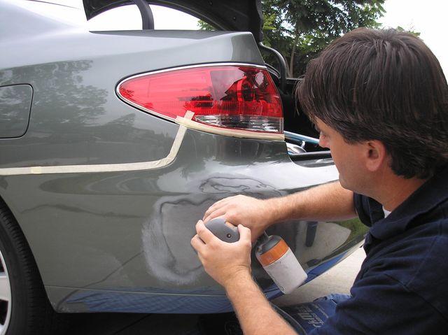 Покраска пластикового бампера автомобиля