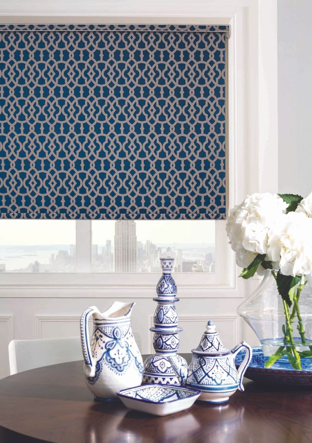 A patterned roller blind
