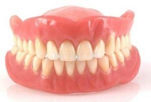 una dentiera