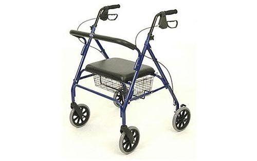 una sedia a rotelle con freni
