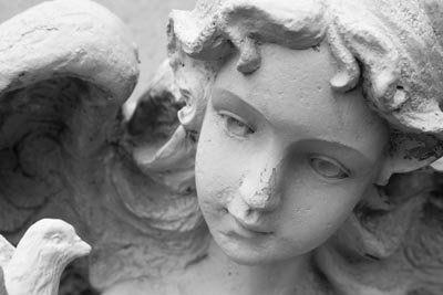 Scultura di angelo