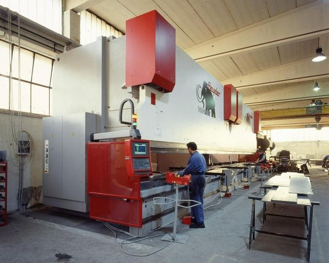 Sheet metal bending Verona