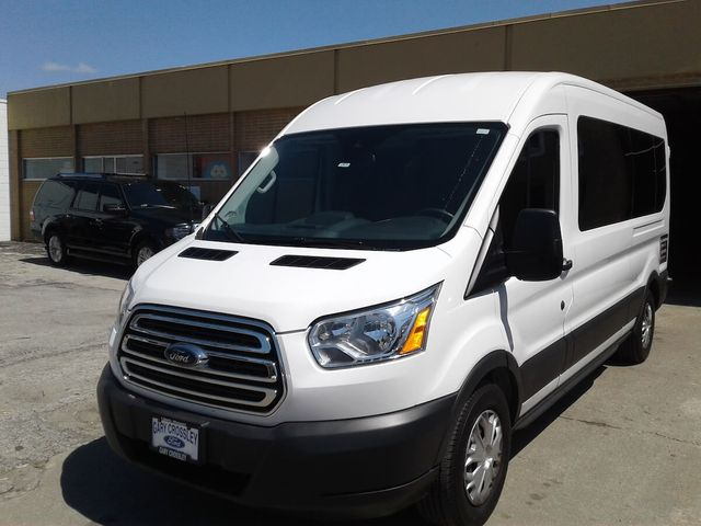 15 Passenger Van Rental Kansas City >> Pech Limo Kc 816 756 3100 Kansas City Limo Overland Park