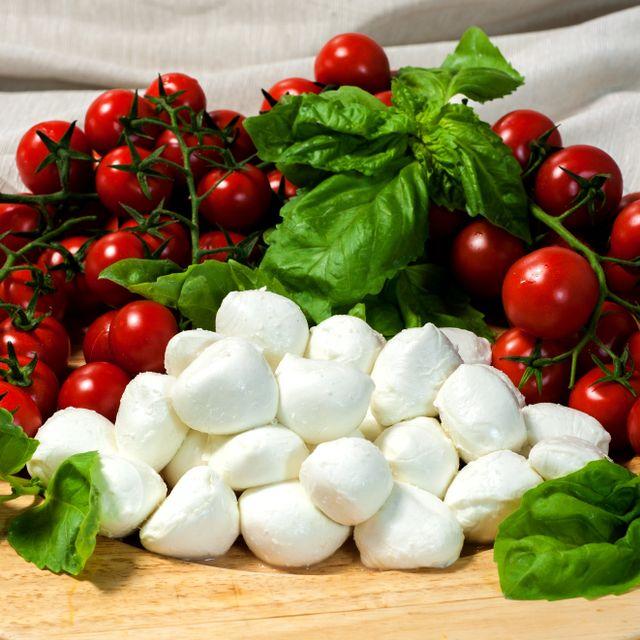 BOCCONCINI DI BUFALA e pomodorini