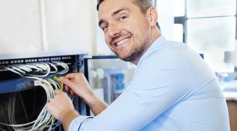 Maintenance of devices by experts
