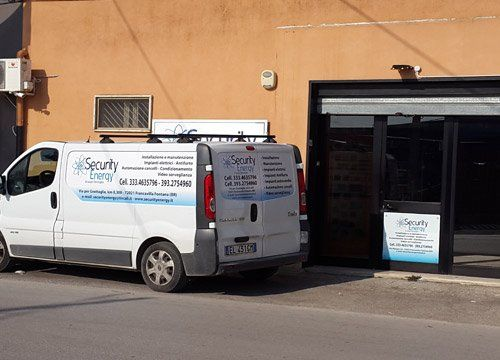 camioncino ditta Security Energy