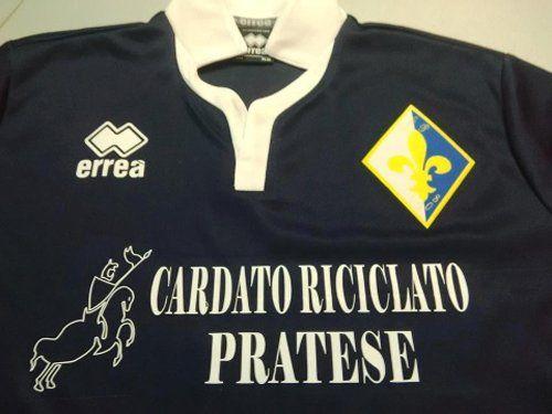 maglia sportiva con scritto CARDATO RICICLATO PRATESE