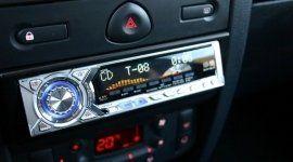 impianti vivavoce, installazione sensori di parcheggio, riparazione autoradio