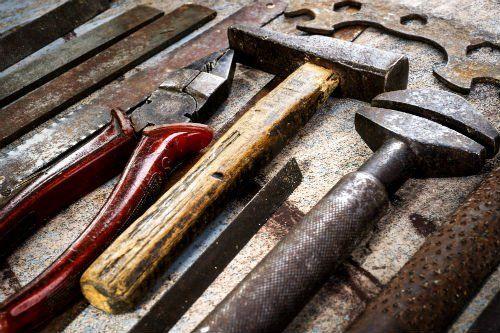 Strumenti vari da ferramenta