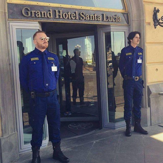 Personale qualificato per la sicurezza di hotel