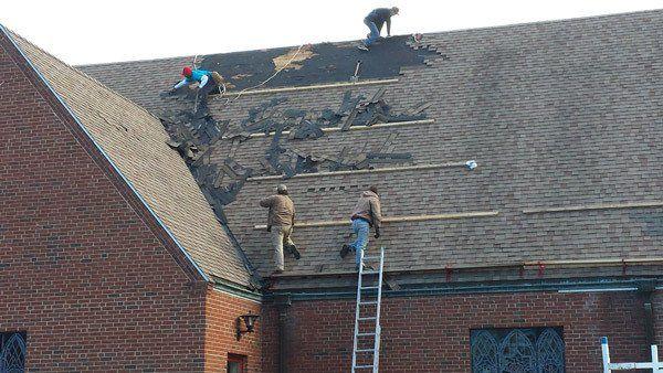 Professionals installing new roofs in Waynesboro, VA