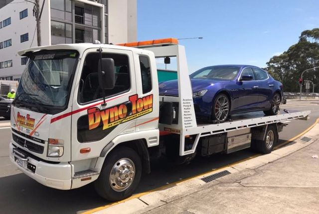 dyno tow truck towing fuso
