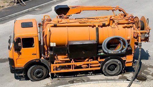 Camion per lo spurgo di fognature civili e industriali