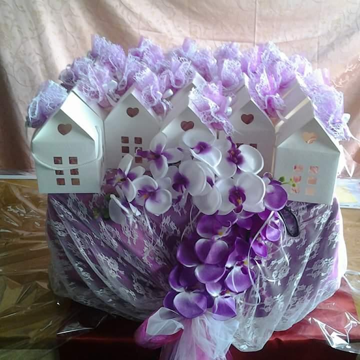 Bomboniera viola a forma di casa