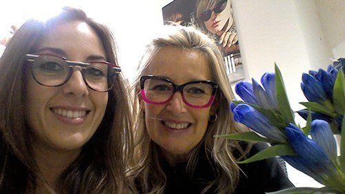 Due donne con gli occhiali a Mogliano