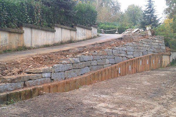 costruzione dei muri di sostegno