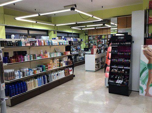 interno di un negozio di cosmetici