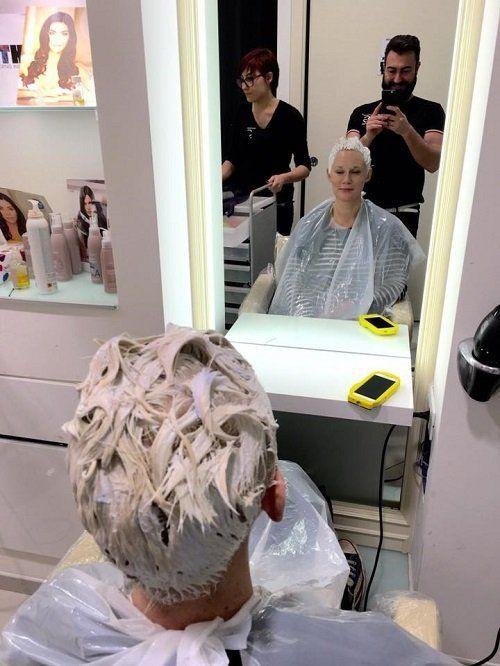 trattamento di cambio colore dal parrucchiere