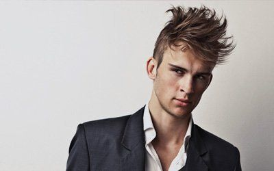 attractive men's hairstyle