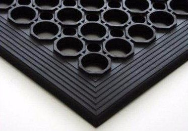 tappeto nero in gomma