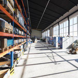 manual warehouse lifters