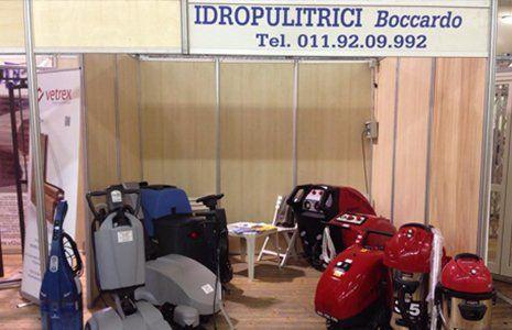 idropulitrici in uno stand Boccardo