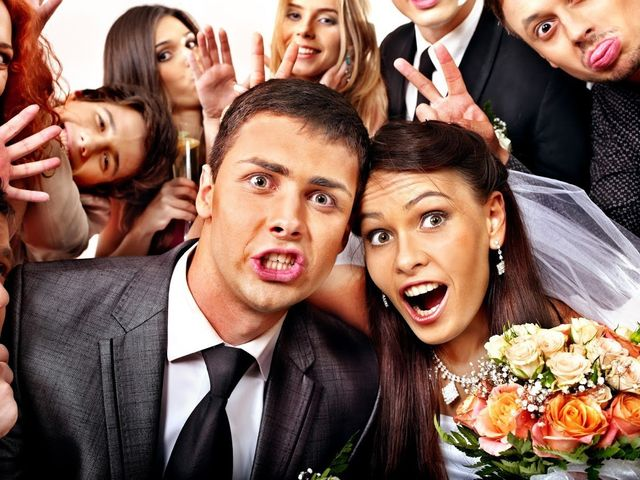 4 Ways A Photo Booth Can Enhance Your Wedding Reception