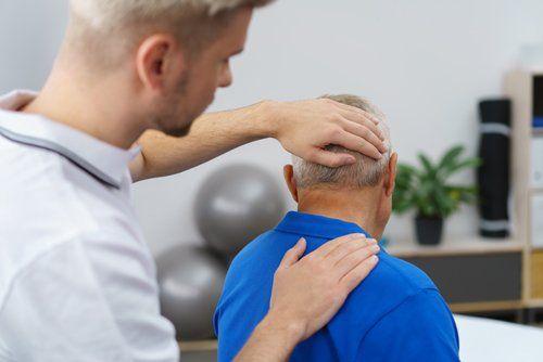 Medico specialista nella cura dell'osteoporosi