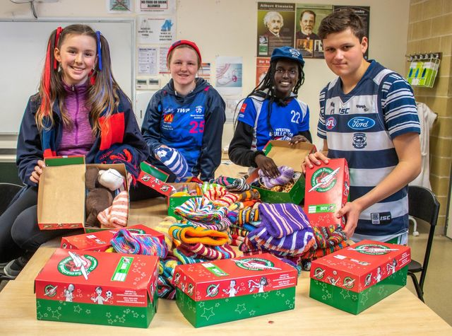 Operation Christmas Child Boxes 2019.Year 9 Pack Operation Christmas Child Boxes