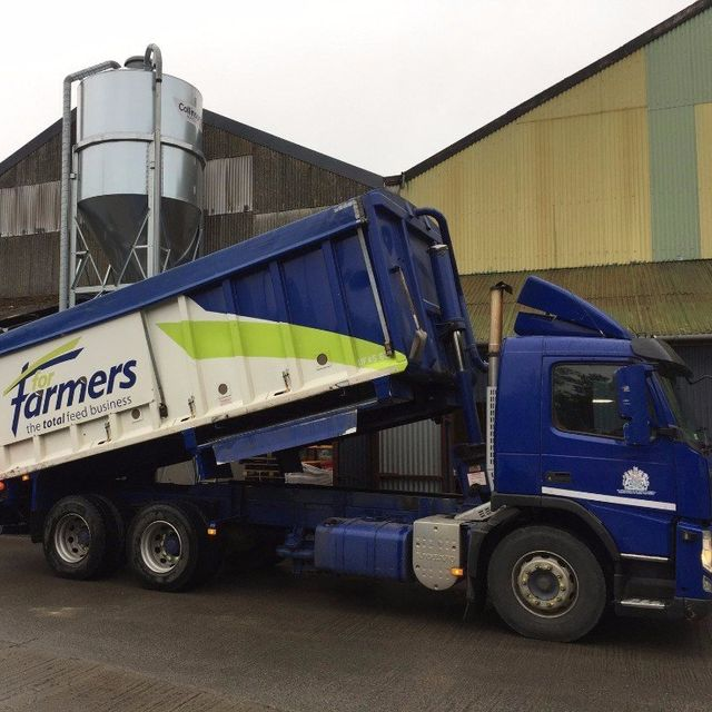 truck carrying fertilisers