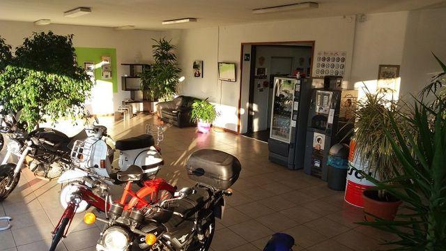 motocicli in esposizione