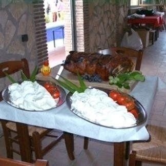 I nostri buffet si compongono di prodotti sardi tipici prodotti artigianalmente secondo la più antica tradizione.