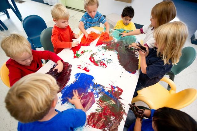Kids Finger Painting, Daycare Center in San Francisco CA