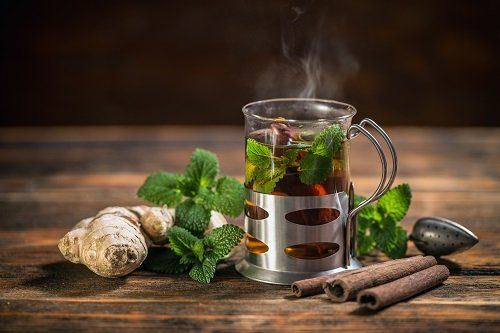 Infusion with cinnamon and mint leves