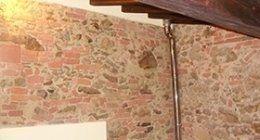 muro in stile rustico